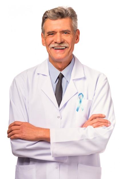 青いリボンを持つ医師の肖像画。 Premium写真