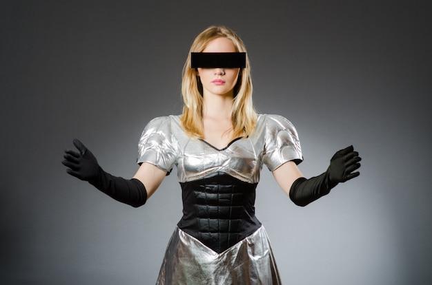 未来的なコンセプトのハイテク女性 Premium写真