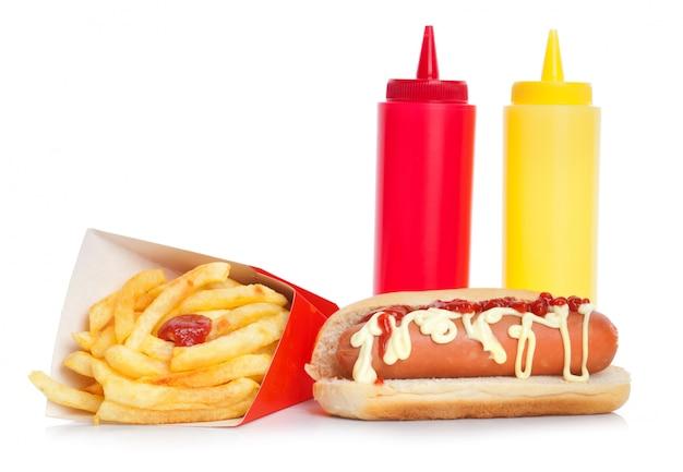 フライドポテトと新鮮でおいしいホットドッグ Premium写真
