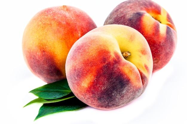 Группа персиков Premium Фотографии