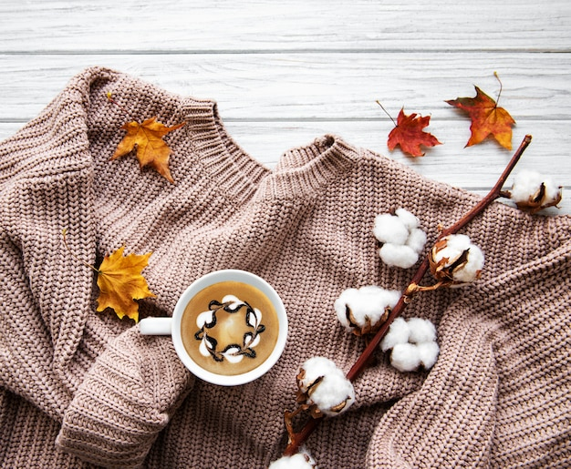 秋の家の居心地の良い組成 Premium写真