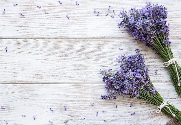 Свежие цветы лаванды Premium Фотографии