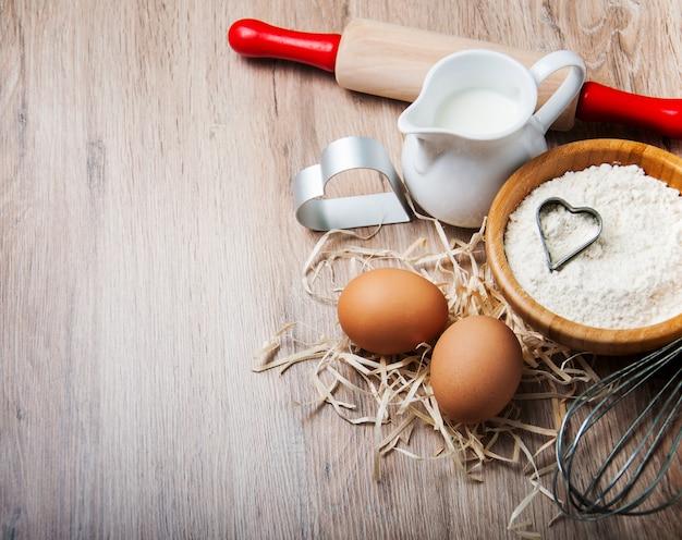 ベーキング成分 - 小麦粉、卵、ピン Premium写真