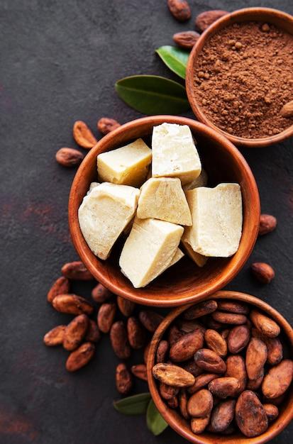 カカオ豆、パウダー、ココアバター Premium写真