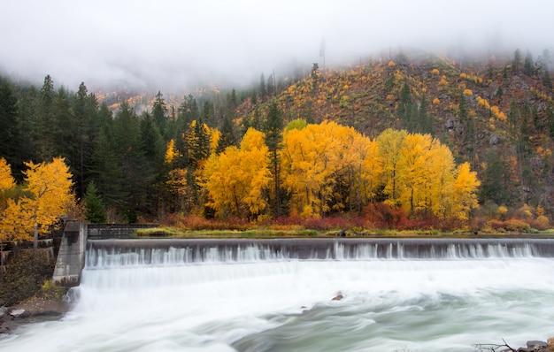 秋の美しいレブンワース Premium写真