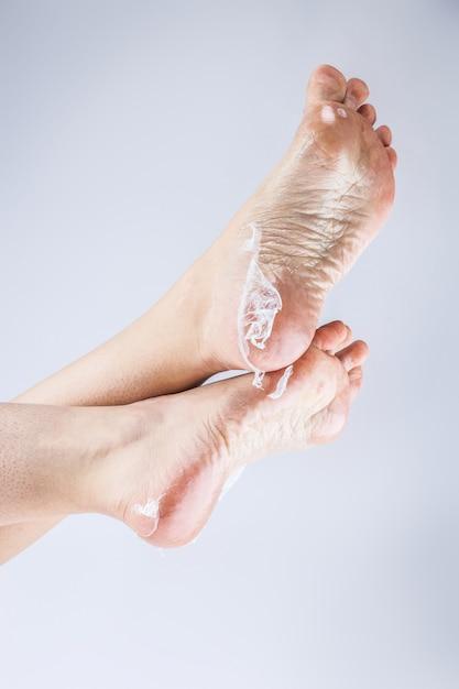 Женские каблуки обезвоженной кожи Premium Фотографии