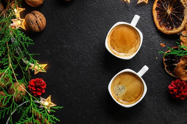 コーヒー、新年、クリスマスの背景またはノエルの休日のお祝い Premium写真