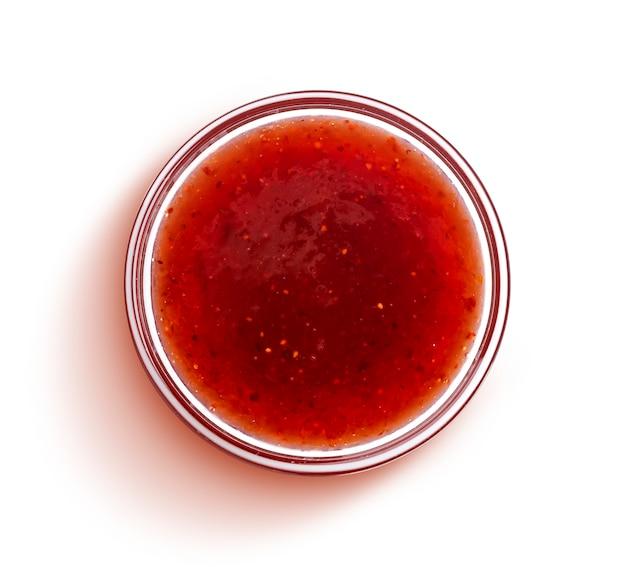 赤いベリージャムの分離、トップビュー Premium写真