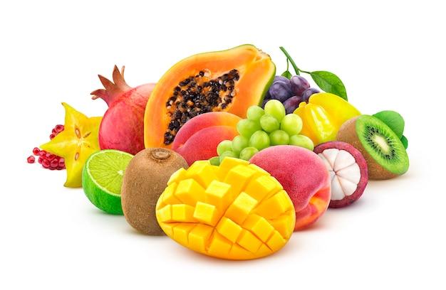 新鮮なエキゾチックなフルーツの山 Premium写真