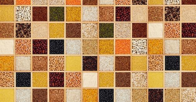 正方形の木箱の穀物割り Premium写真