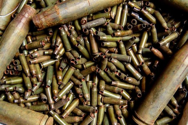 Рукава из пулемета и крупнокалиберного пулемета. Premium Фотографии