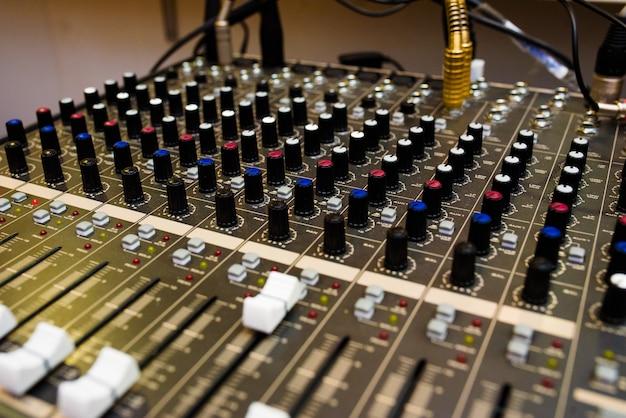 音響機器、サウンドミキサー。 Premium写真