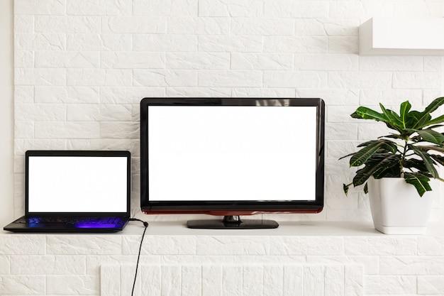 Натюрморт домашнего интерьера с современными технологиями и развлечениями Premium Фотографии
