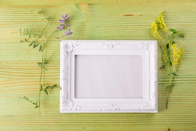 花束の野生の花 Premium写真