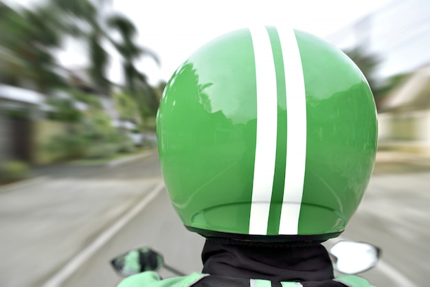 Вид сзади мотоцикла такси с быстрой Premium Фотографии