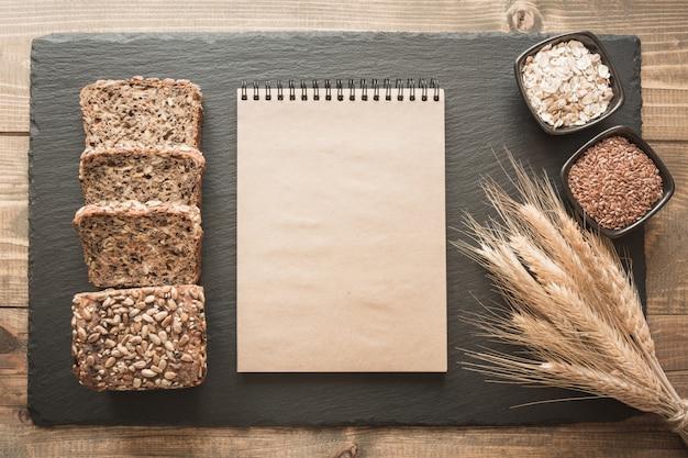 Пустой бланк для рецепта хлеба. Premium Фотографии