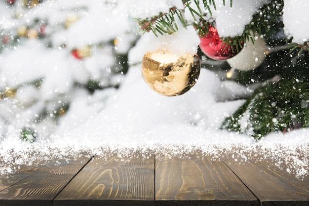 Рождественская праздничная композиция с пустой столешницей Premium Фотографии