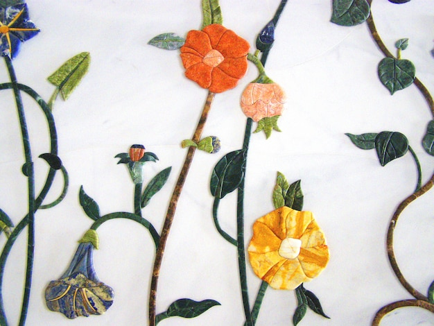 シェイクザイードグランドモスクの内部に飾られた大理石の花の形の壁、 Premium写真