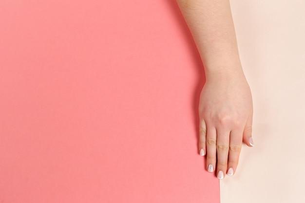 Стильный модный женский маникюр. Premium Фотографии