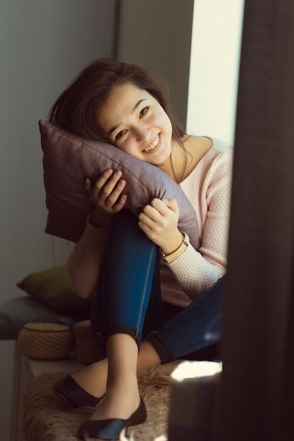 美しいアジアの女の子 Premium写真