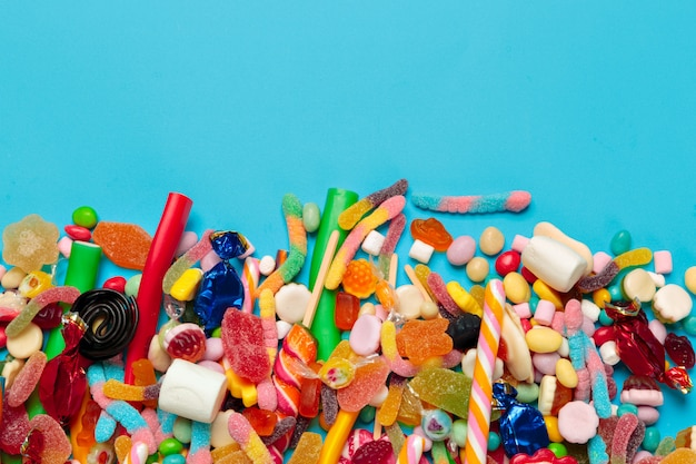 青の色のお菓子 Premium写真