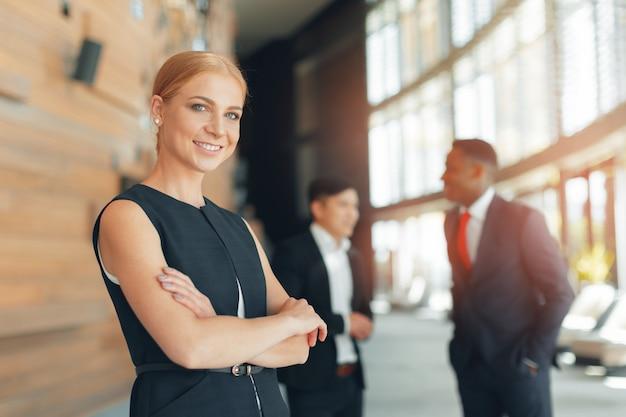 ビジネスマンのグループ Premium写真