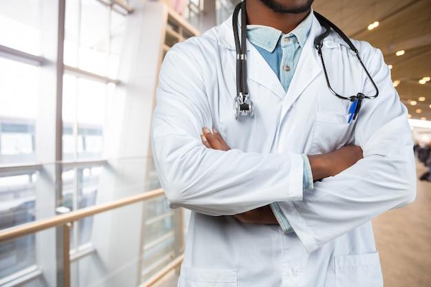 医者の手 Premium写真