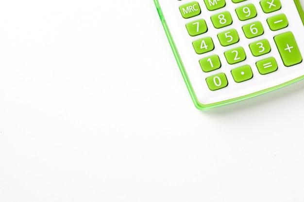 背景の電卓のクローズアップ Premium写真