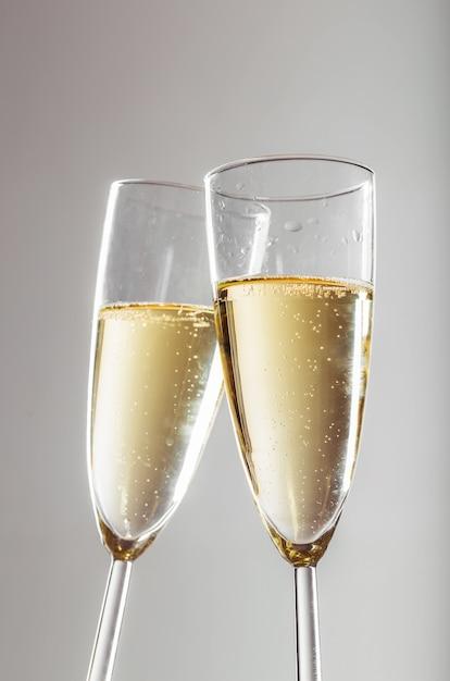 Празднование нового года с шампанским Premium Фотографии