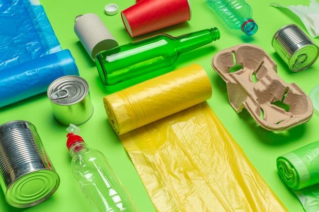 紙くず、プラスチック、ポリエチレン Premium写真