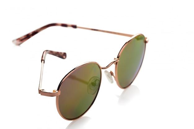 白に対して分離されたサングラス Premium写真