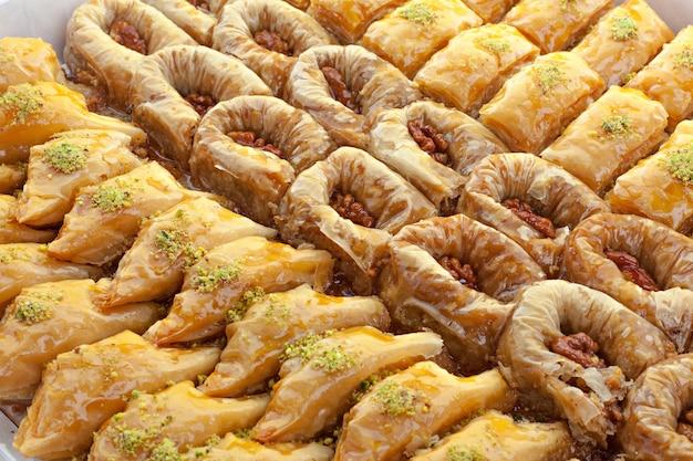 トルコのラマダンデザートバクラヴァ Premium写真