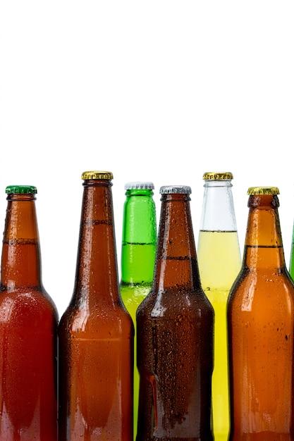 分離されたビール瓶のセット Premium写真