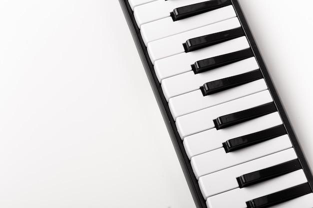 ピアノキーボードのクローズアップ Premium写真