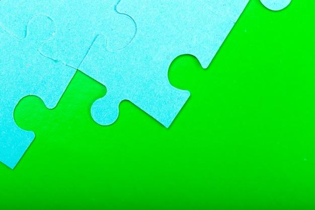 空のスペースでパズルのピース Premium写真
