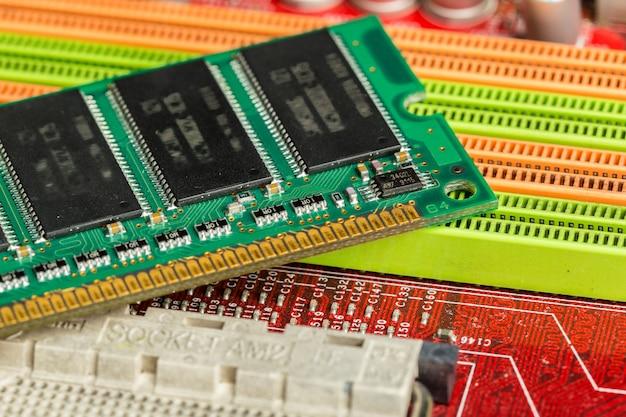 コンピューターチップ、テクノロジー、エレクトロニクス産業 Premium写真