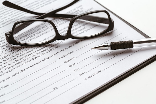 法的契約の署名-不動産売買契約の売買 Premium写真
