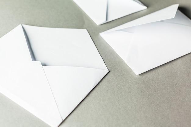 白紙の封筒 Premium写真