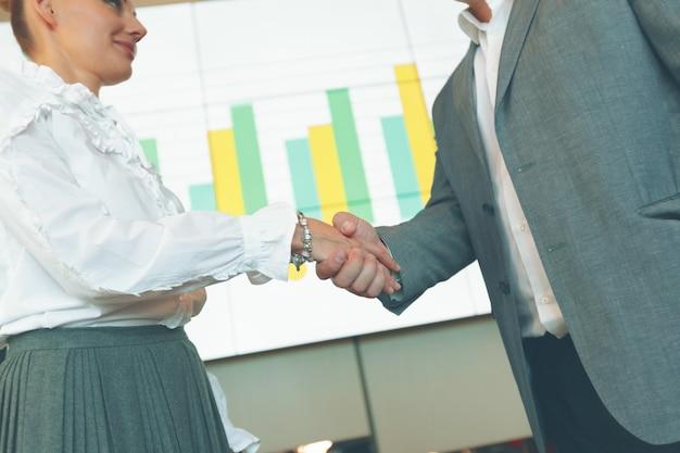 ビジネスパートナーシップミーティング。 Premium写真