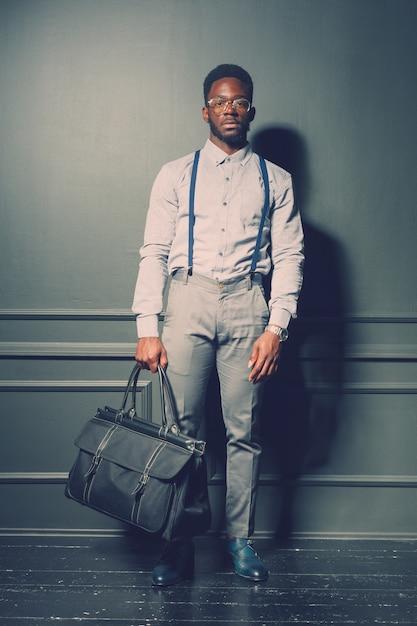 黒人男性のファッションモデル Premium写真