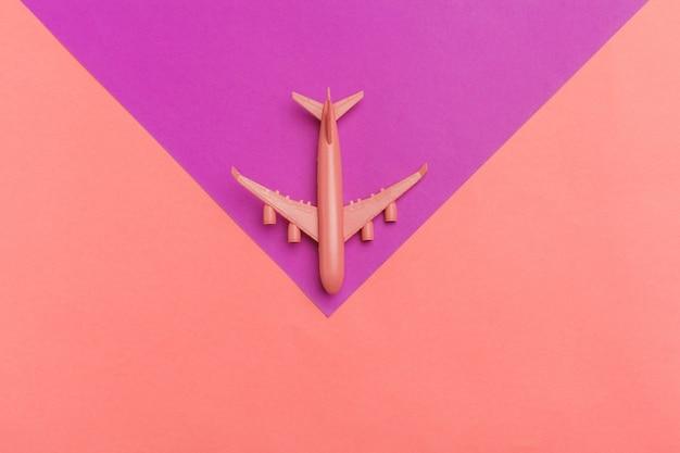 模型飛行機、パステルカラーの飛行機 Premium写真