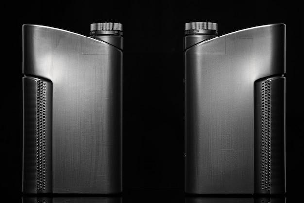 Бутылка моторного масла. Premium Фотографии