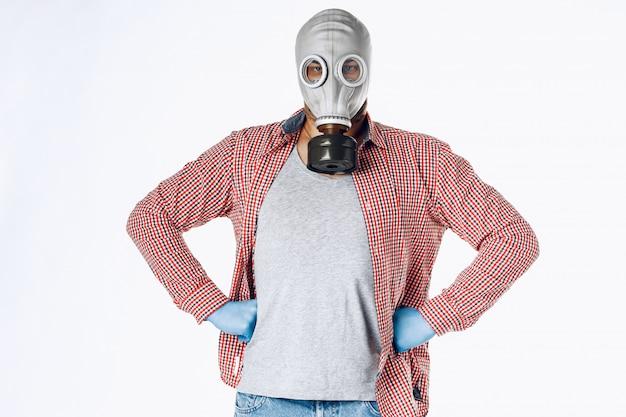 防毒マスクの男の肖像画。 Premium写真
