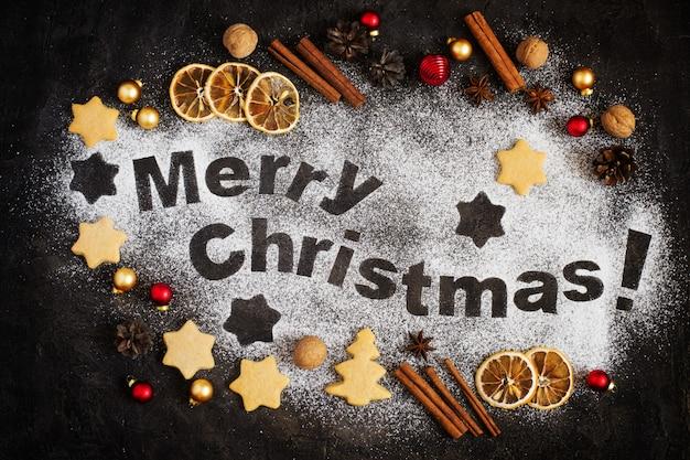 ジンジャーブレッド、メリークリスマスの手紙、クリスマスのおもちゃのカード Premium写真