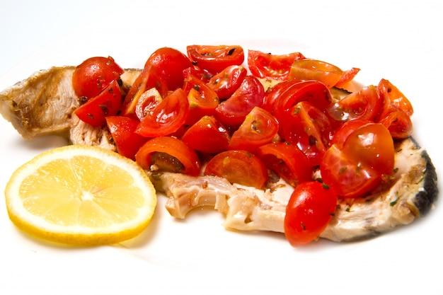メカジキとトマト Premium写真