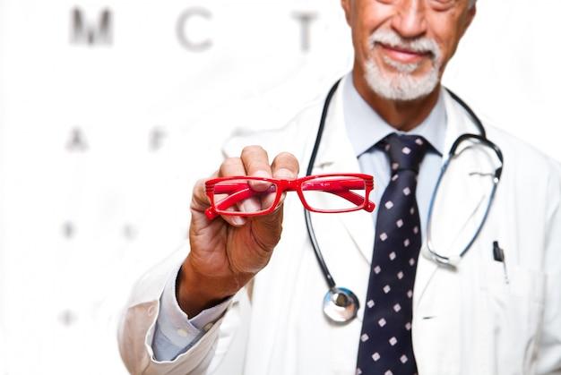 眼科医 Premium写真