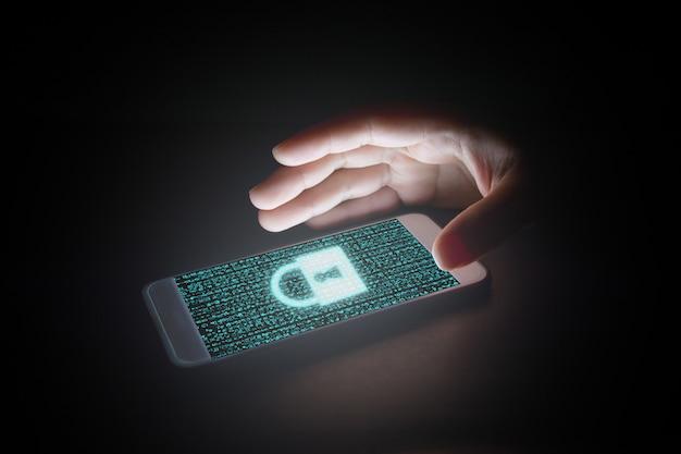 ロックアイコンとスマートフォンの仮想画面のデータ。 Premium写真