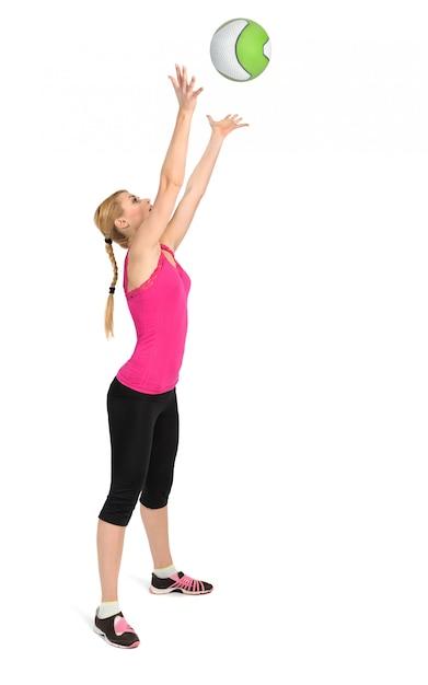 女性投げ薬ボール運動 Premium写真