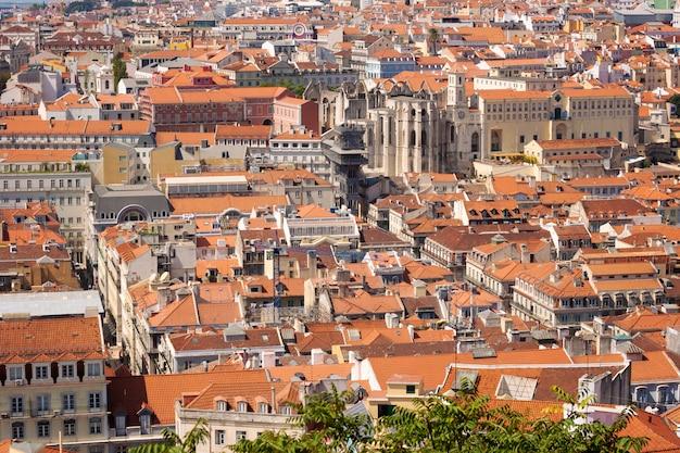 リスボン、ポルトガルの都市の眺め Premium写真