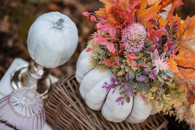 森の秋の装飾 Premium写真
